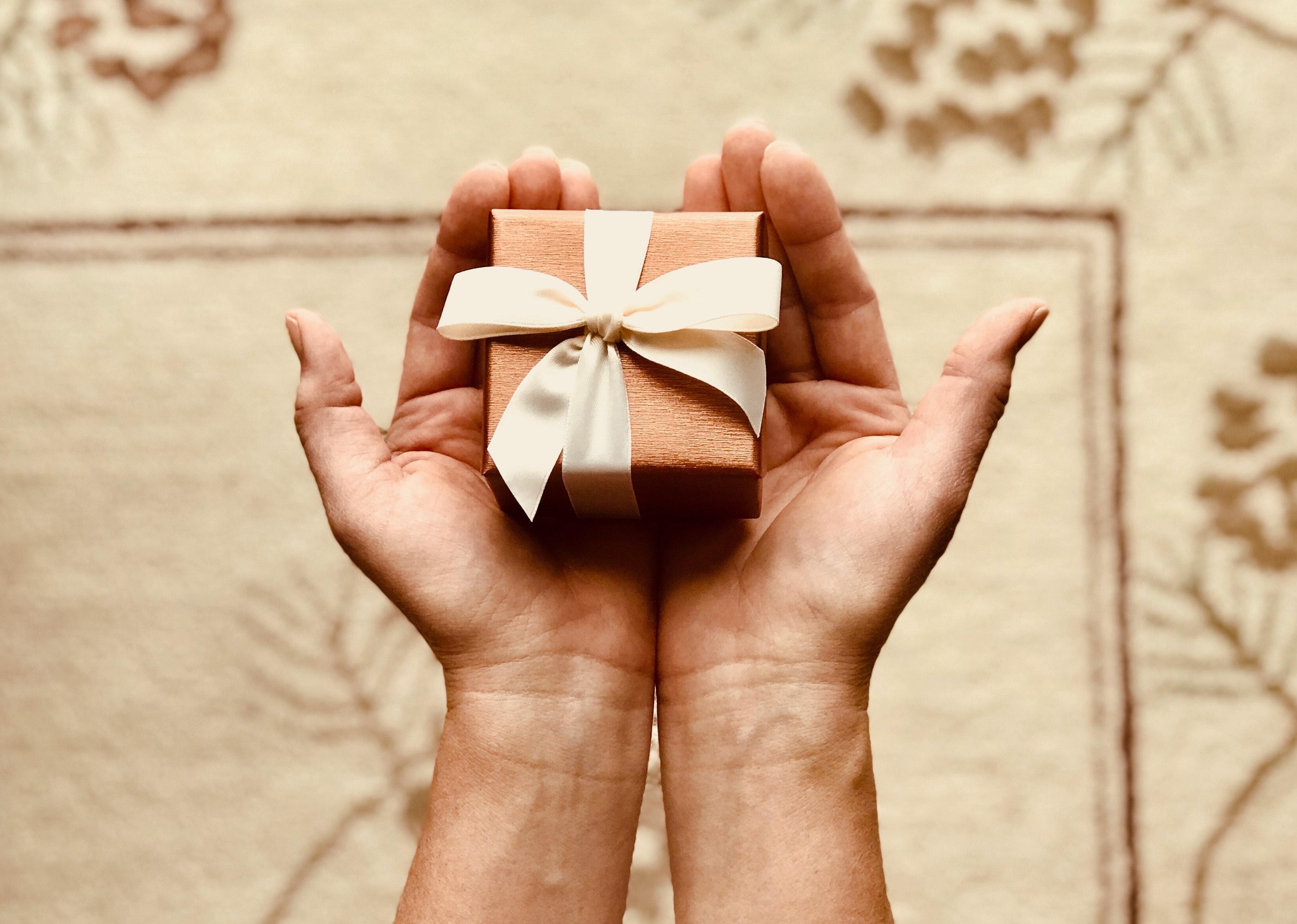 Los 15 mejores regalos de aniversario de novias para los hitos